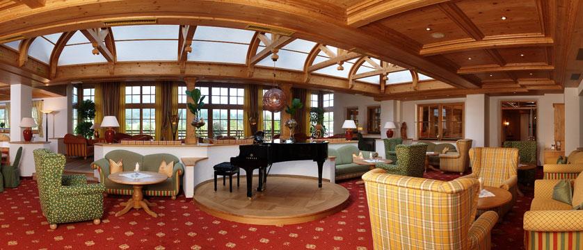 Sporthotel Ellmau, Ellmau, Austria - Lounge area.jpg